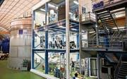 Der Xenon-Tank des «Dunkle-Materie-Detektors» im Untergrundlabor des Gran-Sasso-Instituts. (Bild: PD)