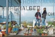 An der Winterbörse des Frauenvereins Bussnang-Rothenhausen gibt es immer etwas zu besprechen. (Bild: Andrea Stalder)
