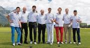 Viele Prominente am Bemer-Golfturnier in Gams: Trotz grosser Wassermassen gute Laune verbreitet. (Bild: pd)