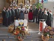 Der Jodlerclub Aelpli Niederwil eröffnete den Festgottesdienst im Lenggenwil. roni Krucker (Bild: V)