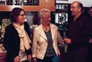 Die Präsidentin der FDP Grub, Susanne Lutz, mit Uschi und Niklaus Tobler. (Bild: Patrik Kobler)