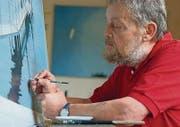 «Ein Verkaufsgenie» sei er, sagt Kunstmaler Willi Oertig unbescheiden. Am Freitag ist er Gast bei Jürg Niggli. (Bild: pd)