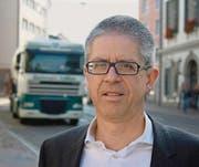 Thomas Kieliger arbeitet daran, den Schwerverkehr vom Frauenfelder Rathausplatz wegzubringen. (Bild: Thomas Wunderlin)