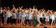 Aufregung und Konzentration wechselten sich während des Tanzworkshops von Lucia Baumgartner ab. (Bild: Samira Hörler)