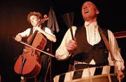 Die Orchestermusiker Gilbert & Oleg sind soeben aus dem Circus entlassen worden und treten am 25. Februar im Fabriggli auf. (Bild: PD)