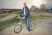 Markus Rüegg, Präsident des Sitterdorfer BMX-Clubs: Nach 30 Jahren schliesst diese BMX-Anlage beim Flugplatz Sitterdorf. (Bild: Reto Martin)