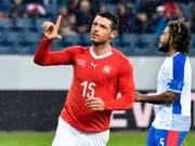 Auftakt zu einem erfreulichen Abend: Blerim Dzemaili feiert sein 1:0 gegen Panama (Bild: KEYSTONE/EPA KEYSTONE/WALTER BIERI)