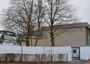 Zurzeit sind keine Änderungen am Betriebskonzept des temporären Bundesasylzentrums beim Schulhaus Gerbe in Heiden geplant. (Bild: cal)