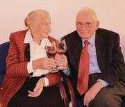 Am Samstag an der «Nüfere hürotet»-Vernissage: Trudi und Hans Stürzinger-Kaderli. (Bild: Therese Schurter)