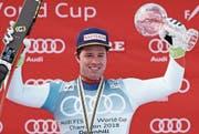 Ein strahlender Sieger: Beat Feuz gestern nach seinem Triumph beim Weltcup-Finale in Schweden. (Bild: Johann Groder/Keystone (14. März 2018))