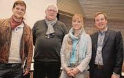 Uneins über die Durchsetzungs-Initiative: Florian Sieber (Juso), Felix Meier (SP), Diana Gutjahr und Lukas Reimann (beide SVP). (Bild: Christof Lampart)