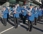 Die Musig Lenggenwil – hier beim Marsch durch Montreux – verliess das Waadtland mit vielen Punkten. (Bild: Kurt Iten)