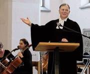 Pfarrer Gottfried Spieth predigt. (Bild: Thomas Brack)