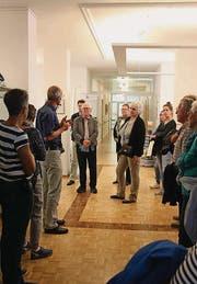 Zahlreiche Besucher liessen sich durch die frisch sanierten Räume führen. (Bilder: Markus Bösch)