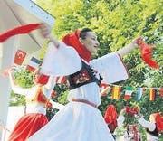 Tänzerinnen am Kulturenfest. (Archivbild: Max Eichenberger)