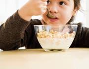 Schon mit dem morgendlichen Müesli wird oft viel zu viel Zucker gegessen. (Bild: Getty)