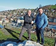 Hanspeter Kessler freut sich, mit Marcel Dörig einen Nachfolger für das Präsidium des Quartiervereins Säge gefunden zu haben. (Bild: Roger Fuchs)
