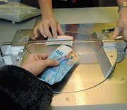 Transaktionen am Schalter gibt es ab heute nicht mehr. (Bild: APZ)