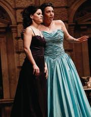 Sopranistin Alexa Vogel und Irène Friedli (Alt) auf der Pentorama-Bühne. (Bild: Donato Caspari)