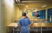 Der grösste Raum in der Zivilschutzanlage ist der Ess- und Aufenthaltsbereich. (Bild: Michel Canonica)