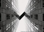 Das Sony-Siegerbild von Tobias Theiler. Licht und Schatten zwischen Häuserfronten. (Bild: pd)