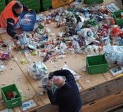 Die Materialprüfungs- und Forschungsanstalt Empa analysierte die Zusammensetzung der im Kuh-Bag entsorgten Kunststoffe. (Bild: PD)