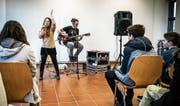 Musikalischer Englischunterricht (Bild: Maya Heizmann)