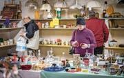 Einmal im Monat verkauften Pensionäre am Flohmarkt alles, was sie aus Platzgründen nicht ins Altersheim mitnehmen können. (Bild: Reto Martin)