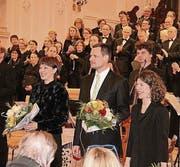 Der Oratorienchor Kreuzlingen und die Solisten bekommen Applaus. (Bild: Christof Lampart)