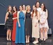 Die erfolgreichen Absolventinnen und Absolventen aus der Region des Werdenberger & Obertoggenburger nach ihrer gelungenen Lehrabschlussfeier. (Bild: Mengia Albertin)