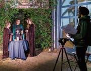 Raphaela Wagner (Mitte) einmal vor der Kamera: die Wartauerin beim Dreh ihres Crowdfunding-Videos. (Bild:)