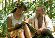Eine ungleiche Beziehung: Die blutjunge Tehura ist auf Tahiti Paul Gauguins Geliebte und Muse. (Bild: Frenetic Films)