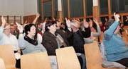 Über Rechnung und Budget stimmen die Homburger Schulbürger offen ab – im Gegensatz zum Antrag der Interessengemeinschaft Einheitsgemeinde Homburg, über den geheim abgestimmt wird. (Bild: Judith Meyer)