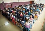 211 von 603 Stimmberechtigen nahmen an der Hüttlinger Bechtelisgemeinde teil. (Bild: Reto Martin)