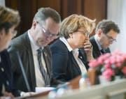 Regierungsrätin Cornelia Komposch muss sich an der Parlamentssitzung Kritik über die geplante Restrukturierung der Polizei anhören. (Bild: Andrea Stalder)