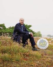 Hans-Dietrich Reckhaus hat auf dem Dach seiner Firma einen artgerechten Lebensraum für Insekten geschaffen. (Bild: pd)