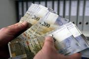 Der Aufgaben- und Finanzplan sieht Defizite zwischen 268 und 305 Mio. Franken vor. (Bild: Urs Jaudas/ Archiv)