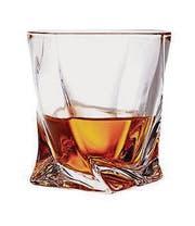 Glass of scotch whiskey with clipping path (Bild: Photographer: Serghei Platonov (50739033))