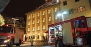 Das Baronenhaus wird zum Schauplatz einer gross angelegten Feuerwehrübung. (Bilder: Jörg Roth)