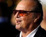 Jack Nicholson zeigt sich nur noch selten in der Öffentlichkeit - und wenn, dann immer mit Sonnenbrille (2010). (Bild: PAUL BUCK (EPA))
