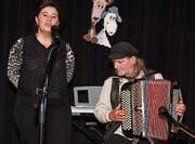 Jodlerin Ruth Felix wird begleitet von Thomi Erb. (Bild: Yvonne Aldrovandi)