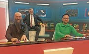 Eingefleischte Trekkies: Museumsdirektor Berthold Porath wie Captain Kirk, Martin Netter (links) und Kurator Ingo Weidig. (Bild: Bruno Knellwolf)