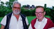 Jost Rüegg und Kurt Schmid-Andrist auf Schloss Girsberg. Im Hintergrund die «Brunnegg». (Bild: Kurt Peter)