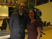 Arthur Honegger mit Fabienne Carniello, die den Anlass in Trogen organisiert hat.