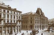 Das erste vom Bund gebaute repräsentative Postamt (rechts) entstand 1886/87 in St. Gallen. (Bild: ETH-Bibliothek Zürich, Bildarchiv)