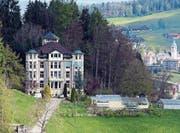 Im Haupthaus an der Nieschbergstrasse besteht eine betreute Wohnmöglichkeit für 14 Personen. (Bild: PD)