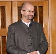 Pfarrer Rolf Bärtsch fühlt sich in Sennwald wohl; er will den Menschen zur Seite stehen. (Bild: Heidy Beyeler)