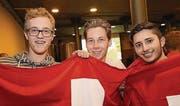 Sind begeistert vom Spiel der Schweizer Nati: Sebastian Jossi, Fabian Koch und Leslie Joos. (Bilder: Chris Marty/frauenfeld-events.ch)
