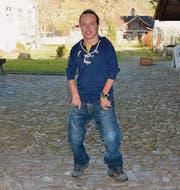 Thomas Huber im Innenhof des Klosters St. Maria der Engel in Wattwil, seinem Arbeitsplatz. (Bild: Beat Lanzendorfer)