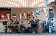 Dass die Schweiz ein multikulturelles Land ist, bewiesen unter anderem die Europameisterschaften 2008 in der Schweiz. (Bild: Alessandro Della Bella/Keystone (Zürich, 18. Juni 2008))